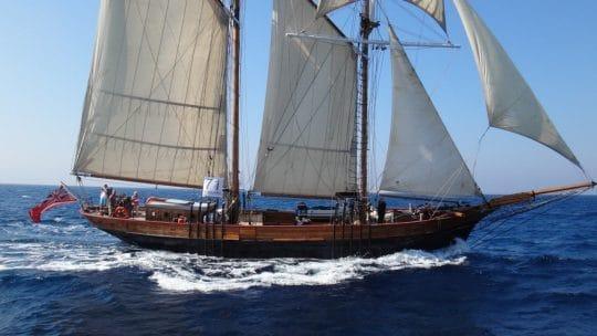 Johanna Lucretia in full sail