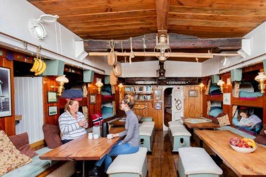 Bessie Ellen interior saloon