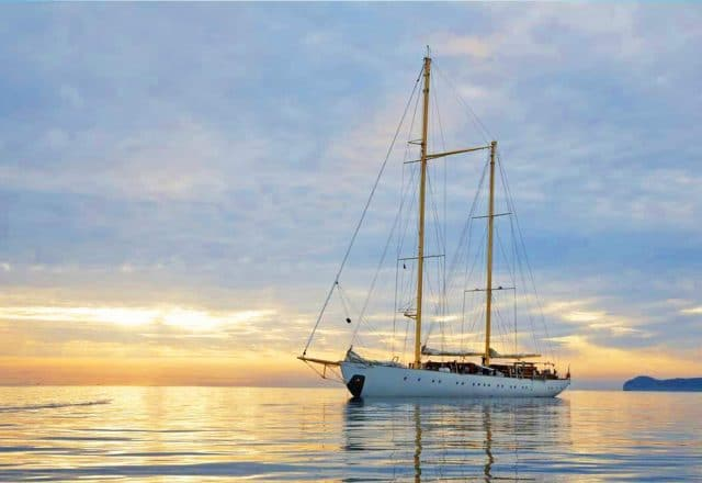 Luxury Sailing from Corfu