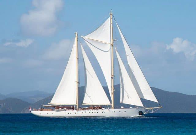 Caribbean Christmas Sailing St Martin to Antigua