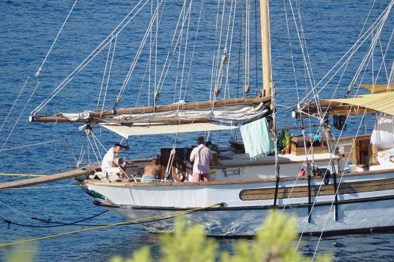 Circe stern on anchor
