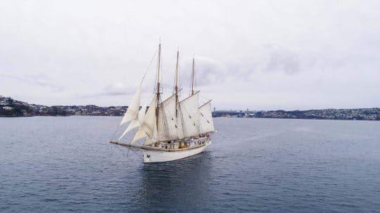 Linden in Norwegian Fjord Full Sail