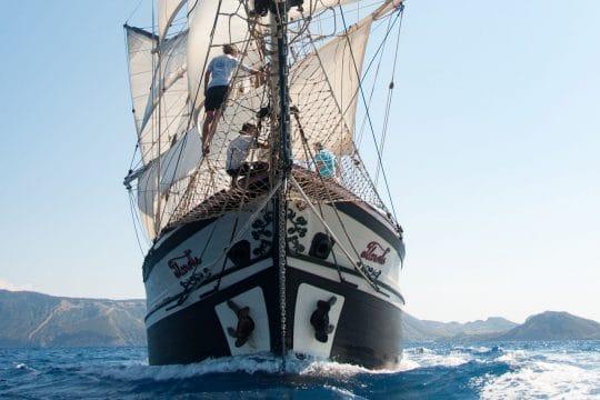 Florette bow sailing