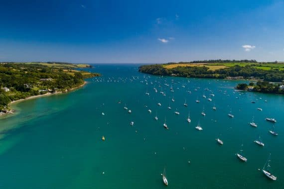 Sailing guide to Cornwall Helford
