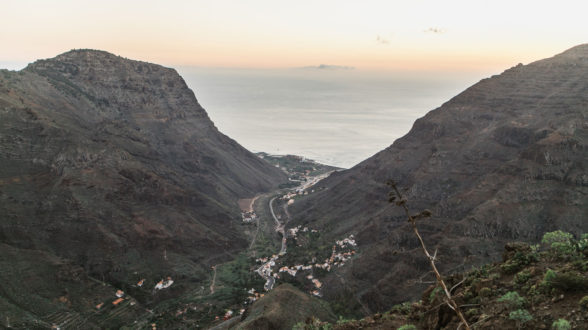 La-gomera-view-to-sea canaries