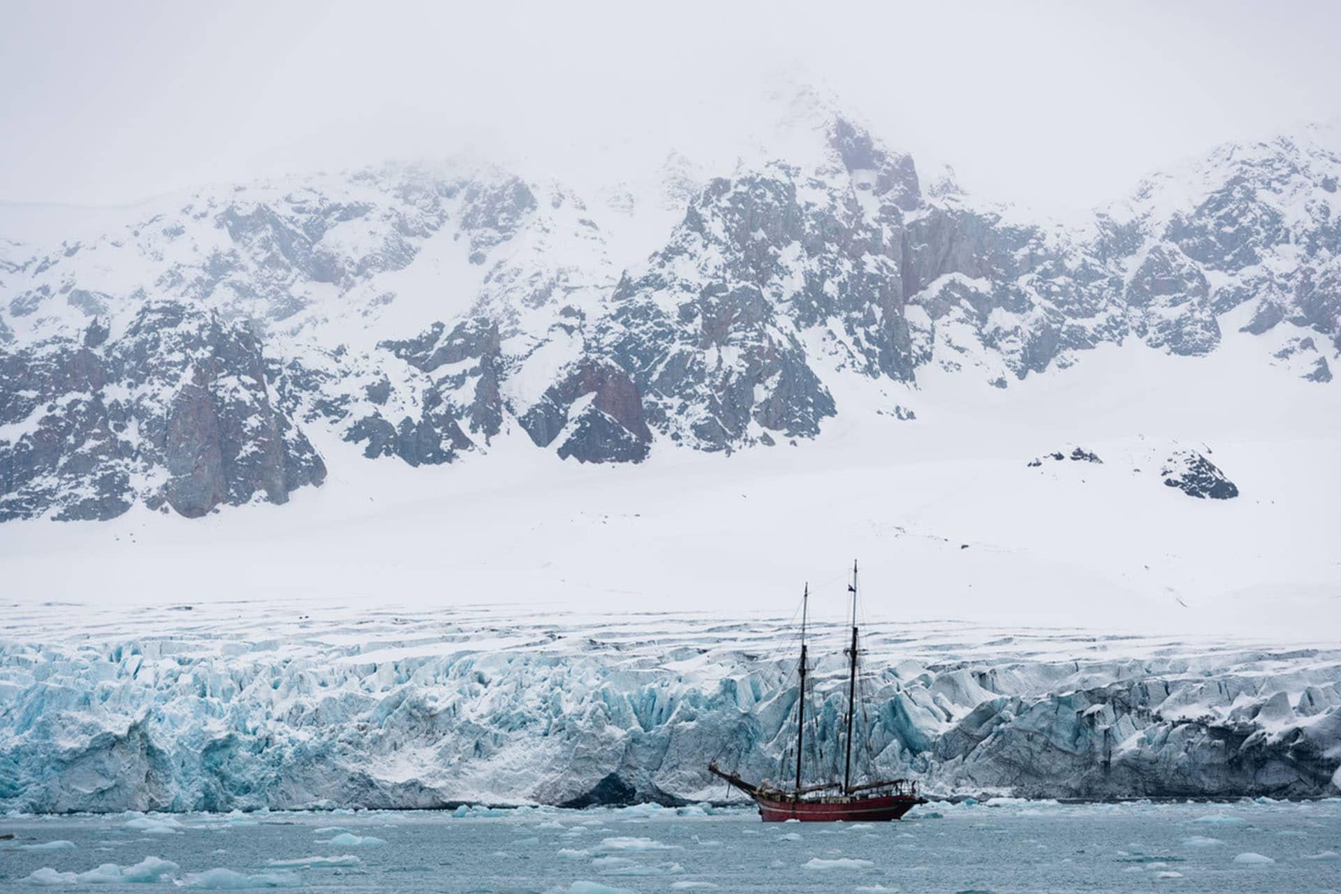 Noorderlicht anchored Svalbard