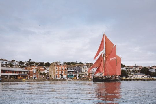 Pilgrim-fullsail-Dartmouth-harbour
