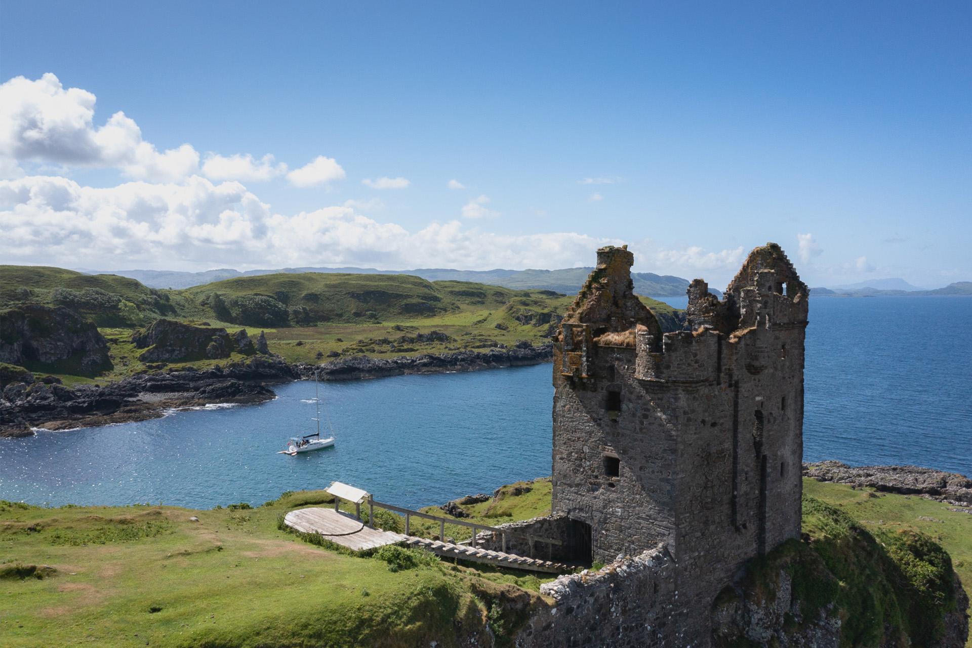 Scotland-Kerrera-castle-sailing