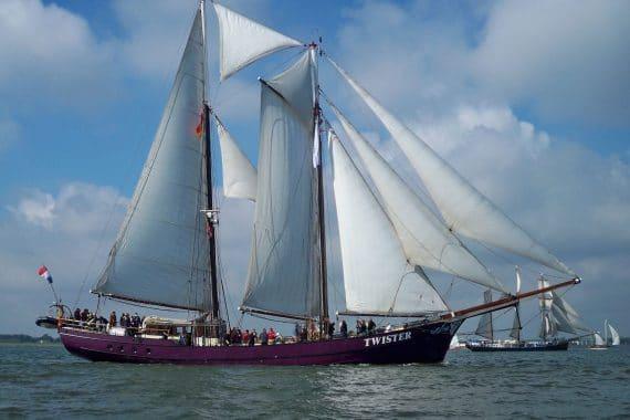 Twister full sail sailing holidays