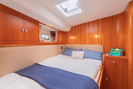 Luxury yacht oyster 62 double cabin