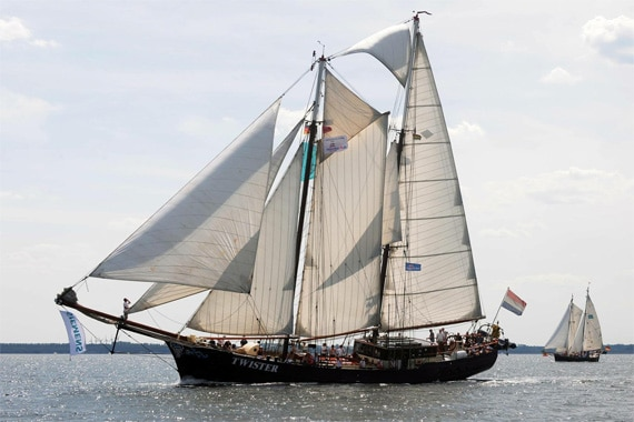 Twister sailing ship