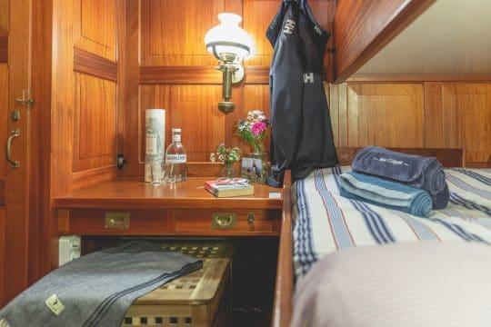Venturesail-Blue-Clipper-cabin-bunk