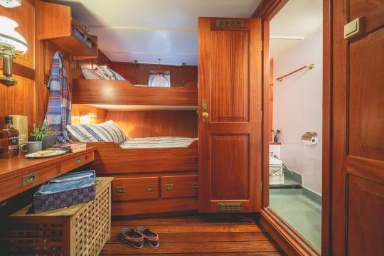 Venturesail-Blue-Clipper-ensuite-cabin
