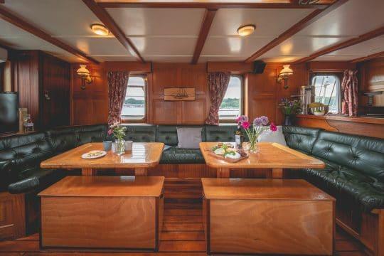 Venturesail-Blue-Clipper-schooner-saloon