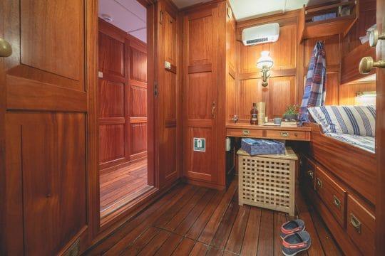Venturesail-Blue-Clipper-twin-cabin