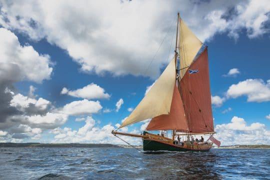 Venturesail-Eda-Fransen-full-sail