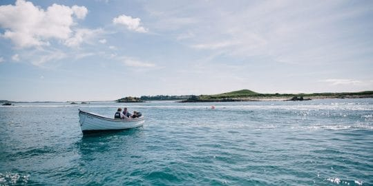 Island hopping by boat scilly