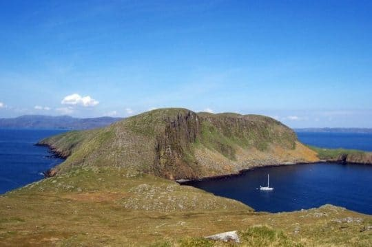 yacht zuza shiants scotland